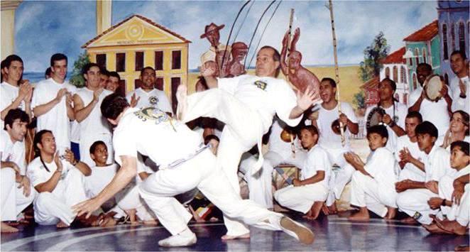Grupo Cordão de Ouro – Capoeira, puxada de rede e dança afro